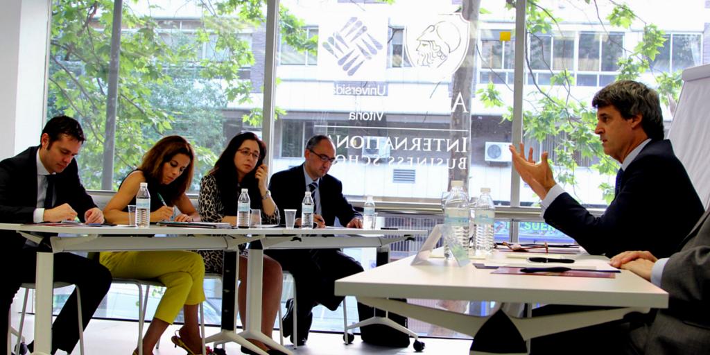 Alfonso Prat Gay diserta sobre populismo en América Latina